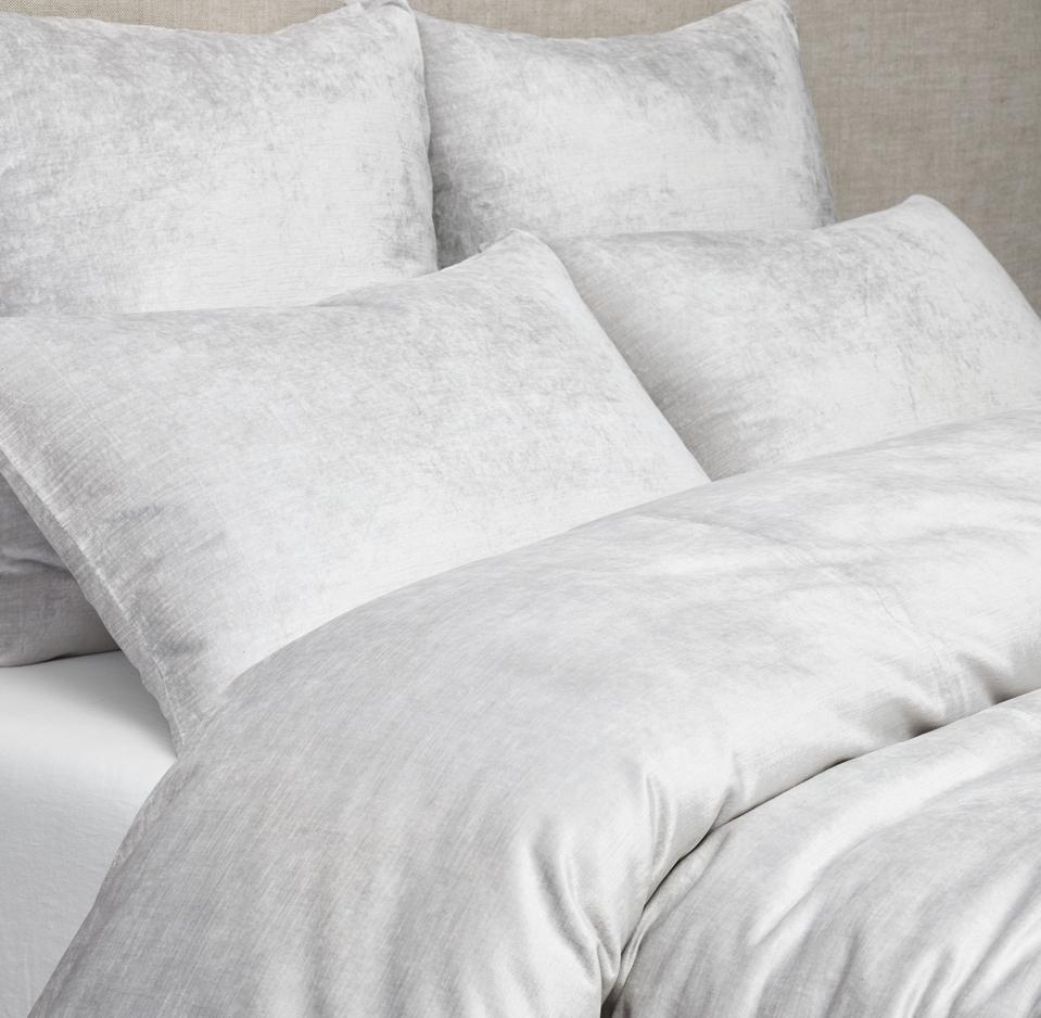 RH bedding in a silver hue.