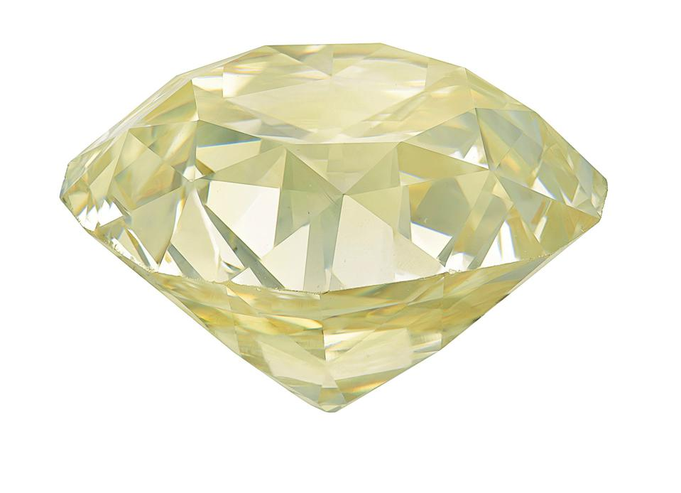 102.61-carat diamond of Y to Z color, VS2 clarity
