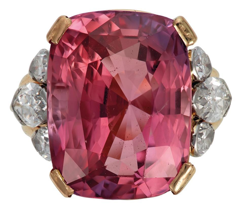 "24.58-carat ""du Pont Padparadscha"" sapphire on a diamond ring"