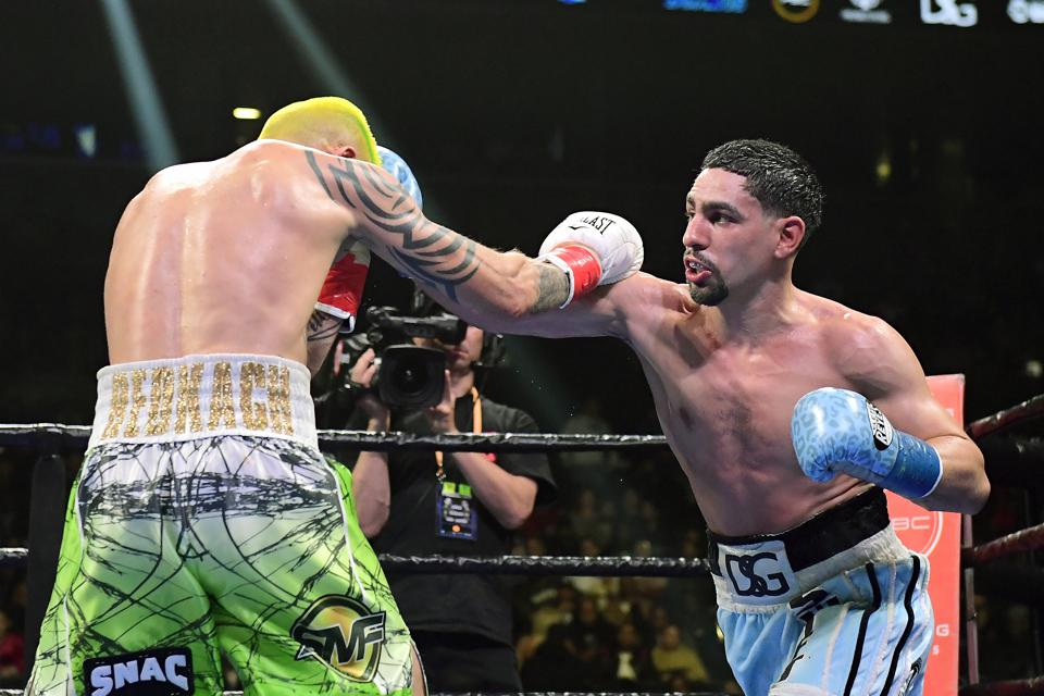 Garcia vs matthysse betting odds martingale system in sports betting