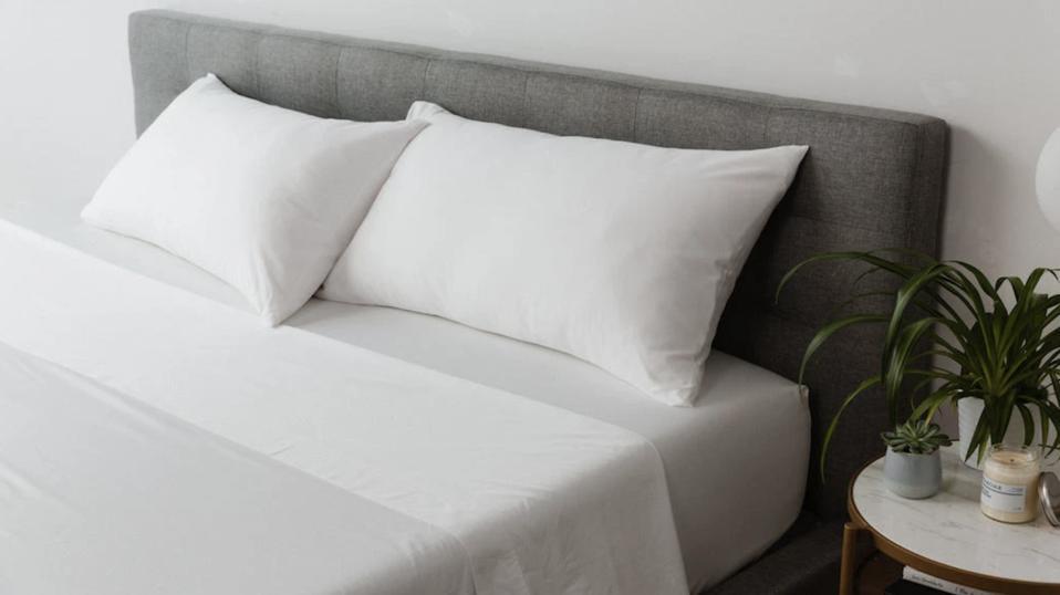 MOLECULE white sheet set