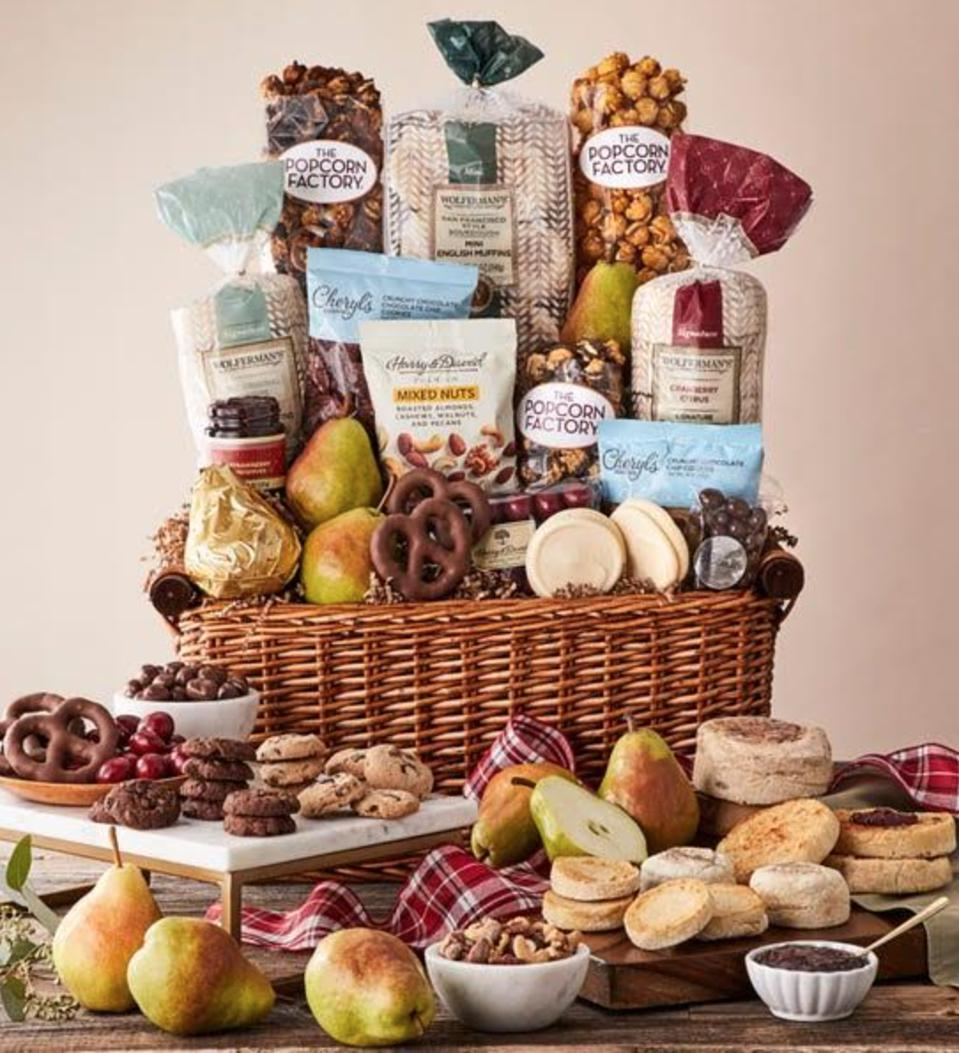 Holiday Signature Collection Gift Basket