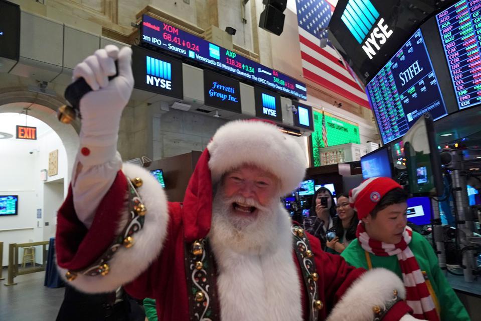 US-ECONOMY-STOCK-MARKETS-CLOSE