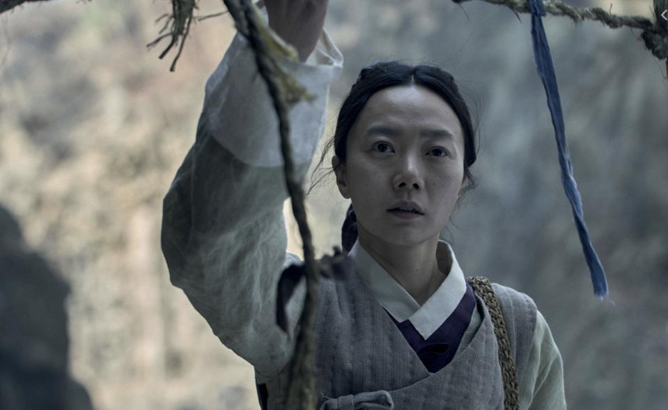 Bae Doona played a zombie-fighting nurse in the second season of 'Kingom.'
