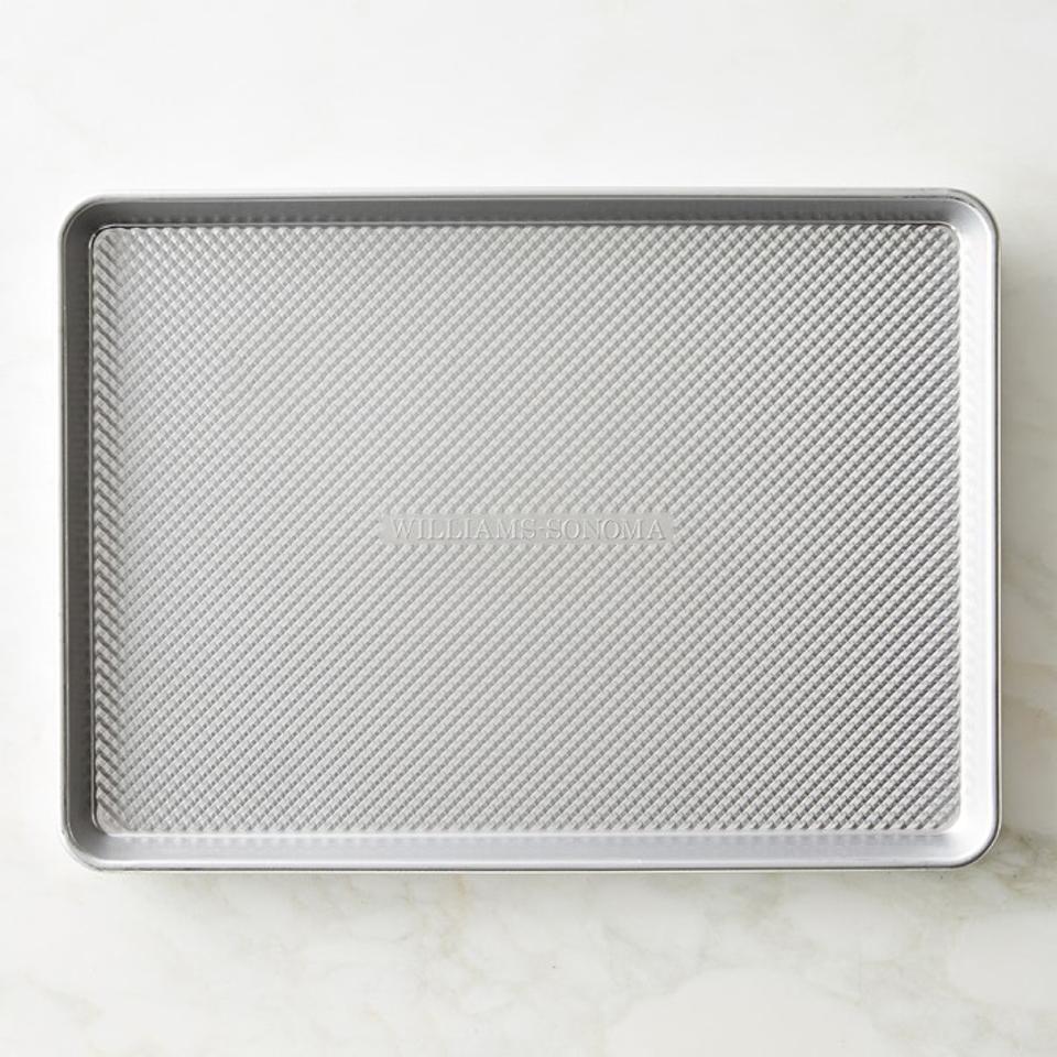 Williams Sonoma Traditionaltouch™ Corrugated Half Sheet Pan