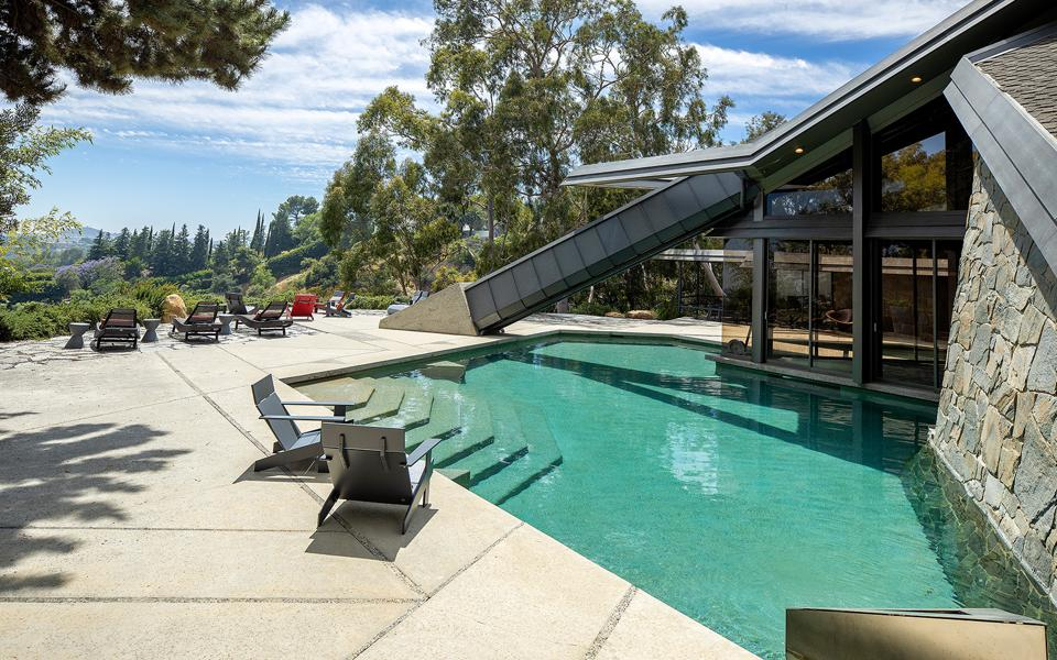 A luxury home and swimming pool in Los Angeles.