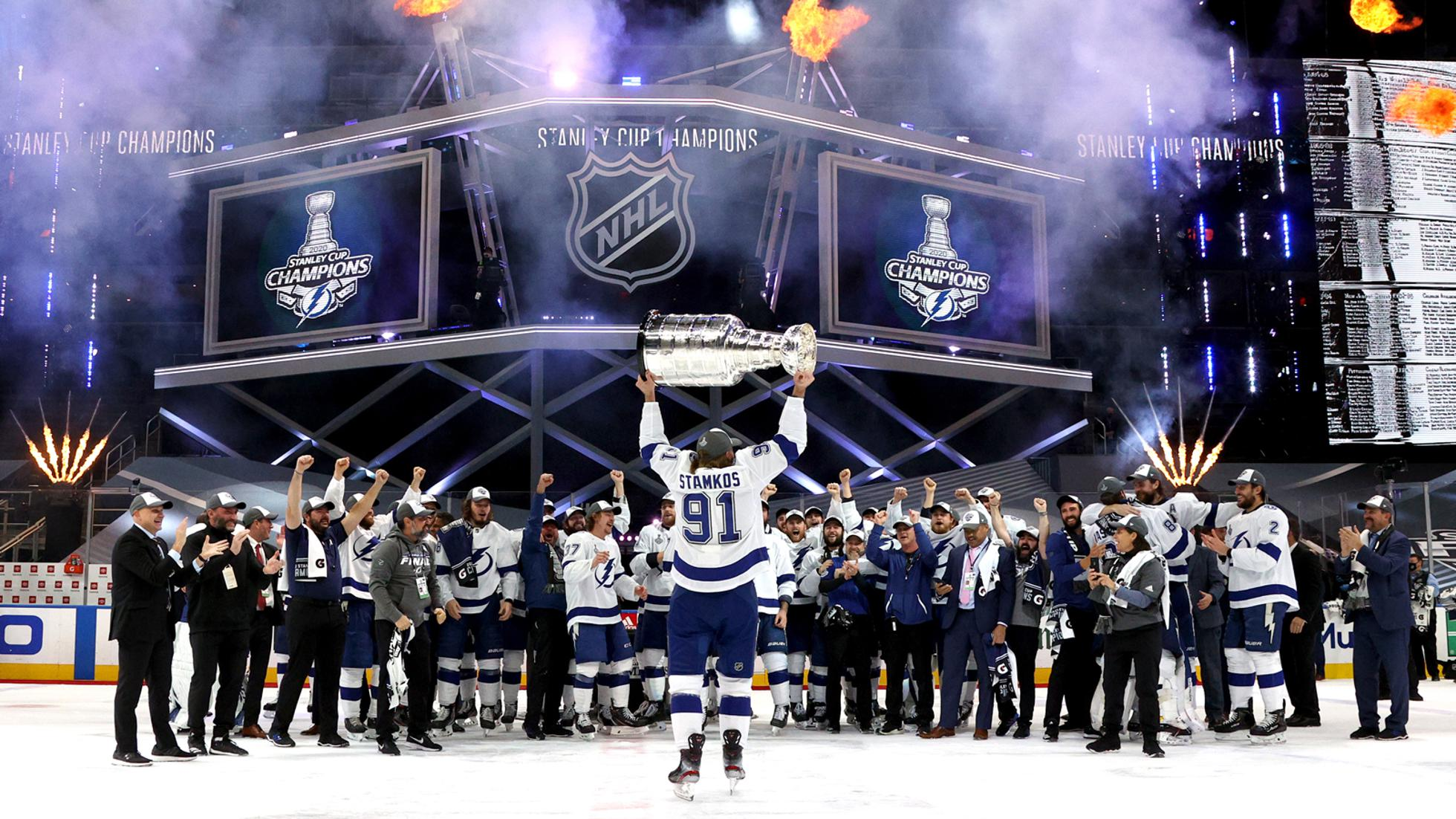 Steven Stamkos #91 of the Tampa Bay Lightning hoists the Stanley Cup overhead after the  his team defeated the Dallas Stars 2-0 in Game Six of the NHL Stanley Cup Final to win the best of seven game series 4-2 at Rogers Place on September 28, 2020 in Edmonton, Alberta, Canada. (