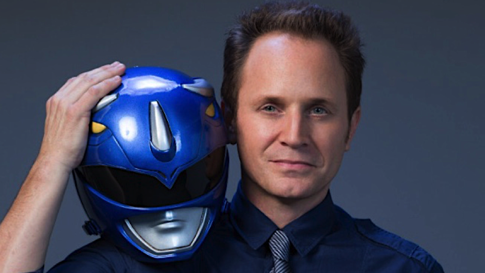David Yost posing with his Blue Ranger mask
