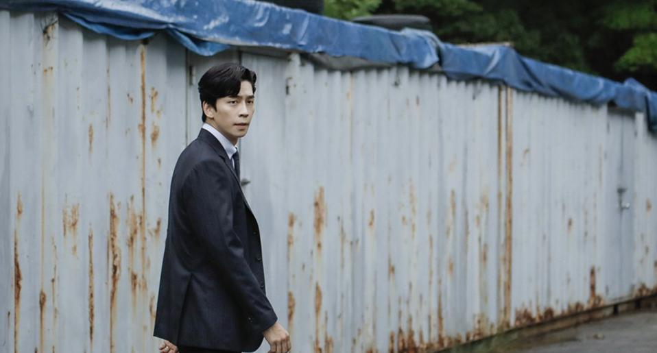 Shin Sung-rok stars in the paranormal thriller 'Kairos.'