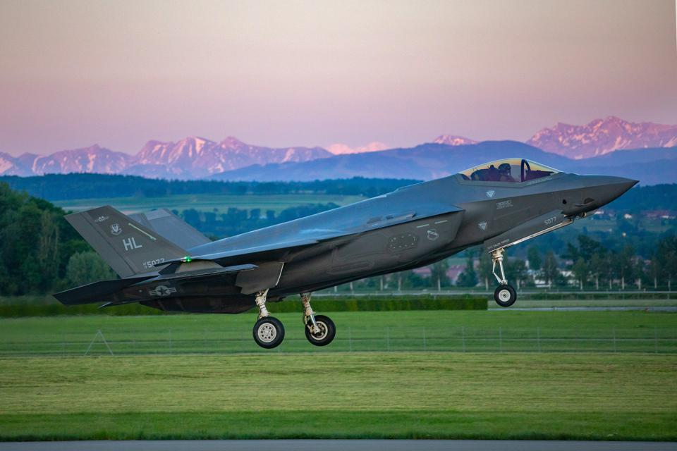 A 34th USAF F-35A Fighter Squadron lands at Payerne Air Base in western Switzerland.