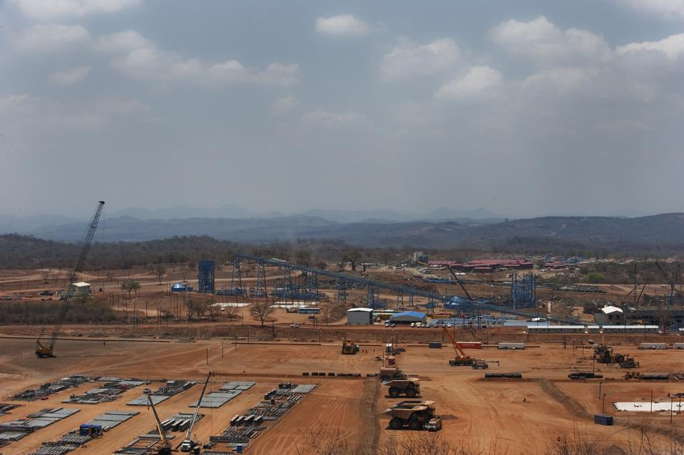 Mitsui has invested $900 million in two major coal mining projects in Mozambique with Brazilian giant Vale.  Seen here, Vale's $1.7 billion coal mine on the outskirt of Tete in the Moatize coal basin in Mozambique.