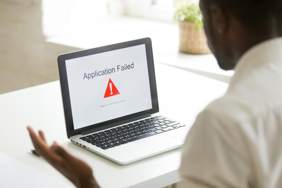 Application failed notice on computer screen
