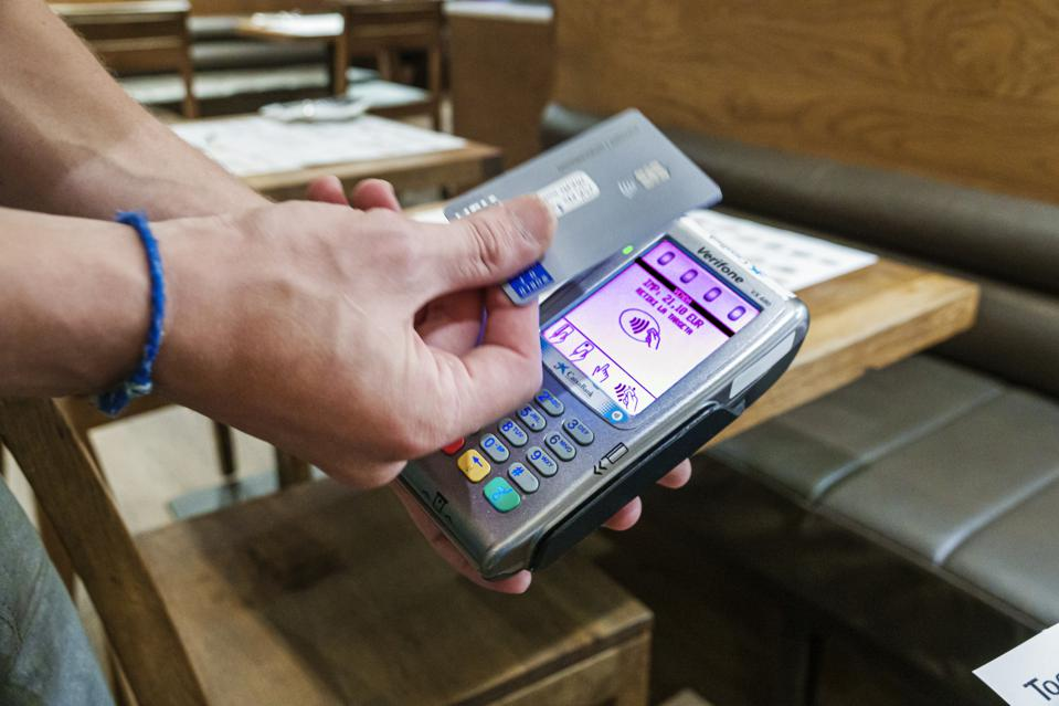 Verifone devices hacked by cybersecurity researchers