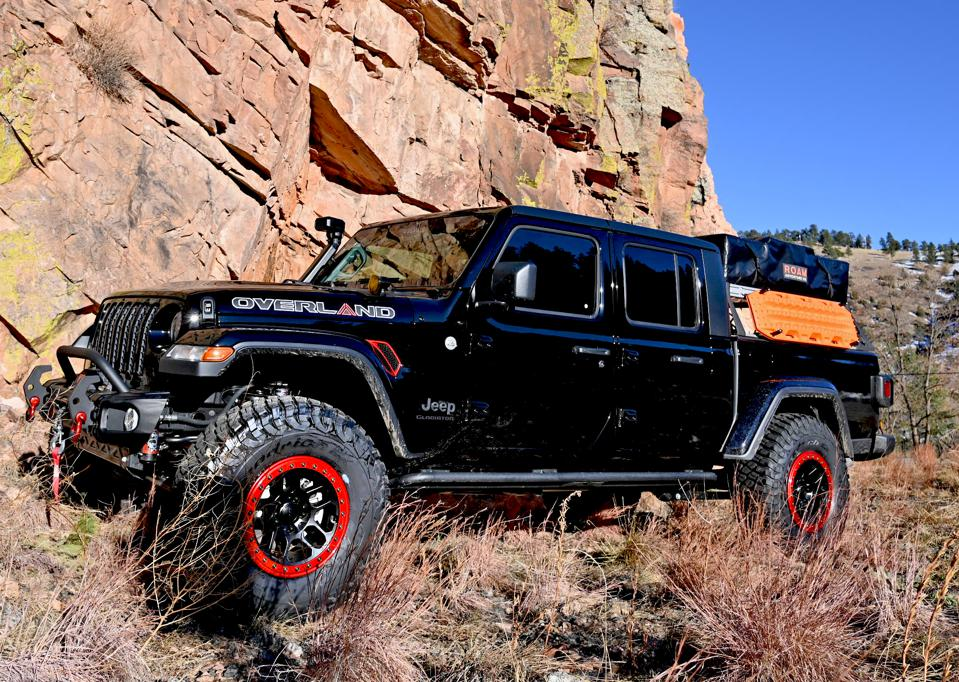 tested: 2021 jeep gladiator overland packs an off-road punch