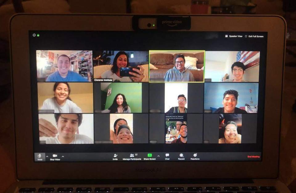 Author Gabriela Perez meeting with other scholars part of the Cisneros Hispanic Leadership Institute through Zoom.