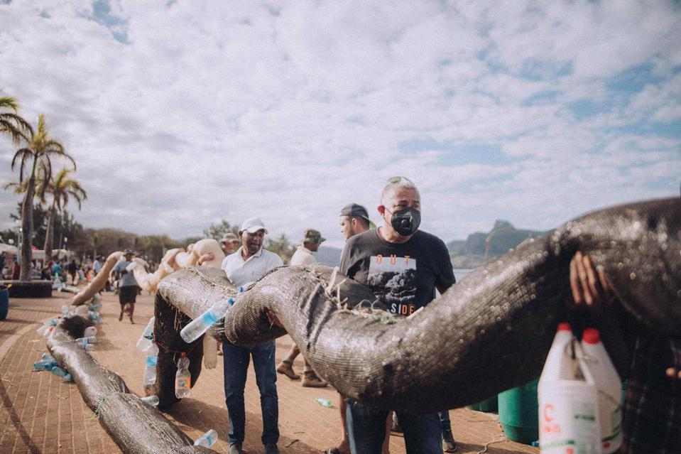 Local groups had to create oil protection booms our of natural materials such as dried sugar cane leaves