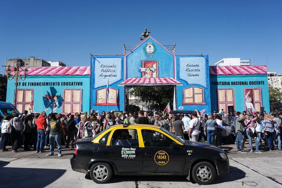 ARGENTINA-TEACHERS-STRIKE-TENT SCHOOL