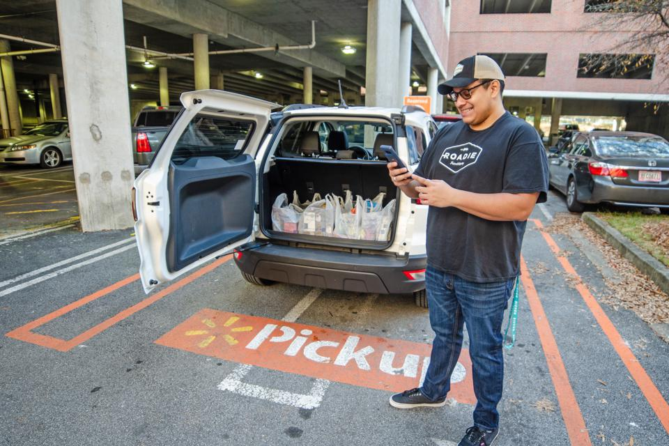 This Uber For Deliveries Startup Might Actually Get Your Last-Minute Gifts Delivered On Time
