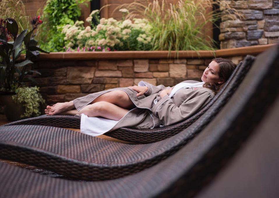 Relaxng at Sundara Spa & Resort