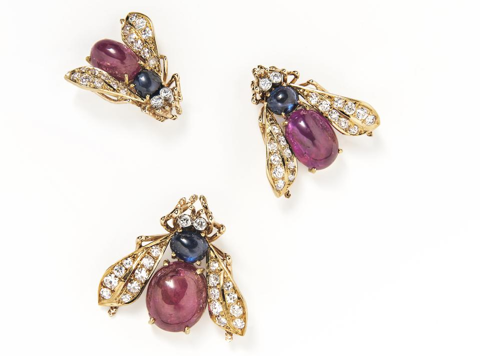 Van Cleef & Arpels Set of Three Cabochon Ruby, Sapphire and Diamond Bee Brooches