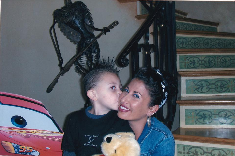 Samantha Bennington with her son with Chester, Draven, who is now 18, as a child.