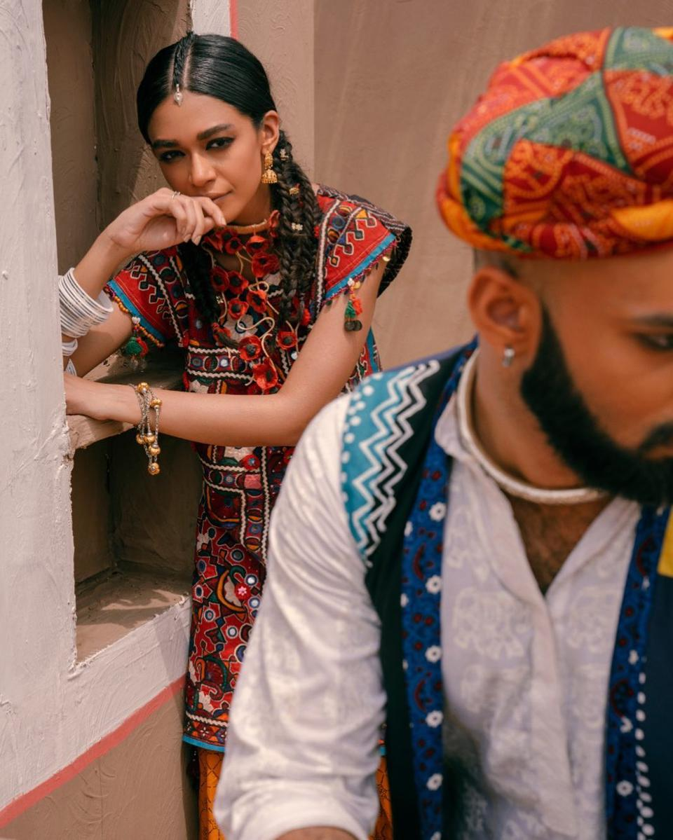 Aman Kay Rang draws its inspiration from traditional Pakistani crafts and color combinations.
