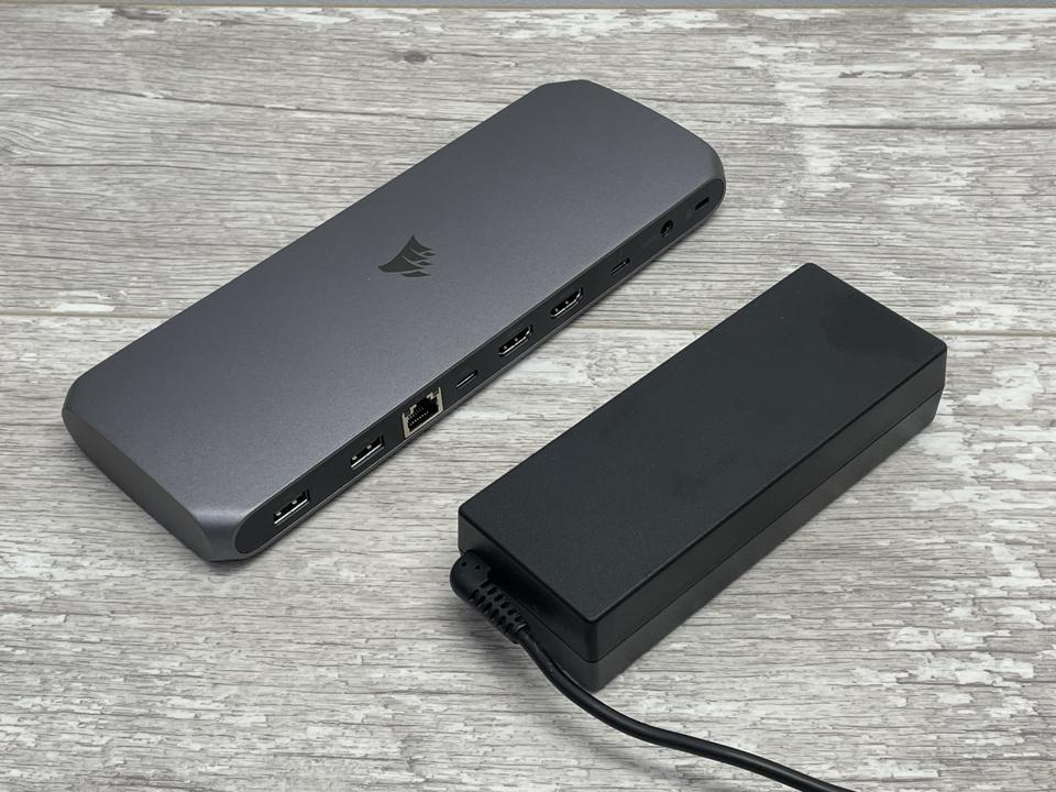 To keep its size to a minimum, the TBT100 uses an external power brick