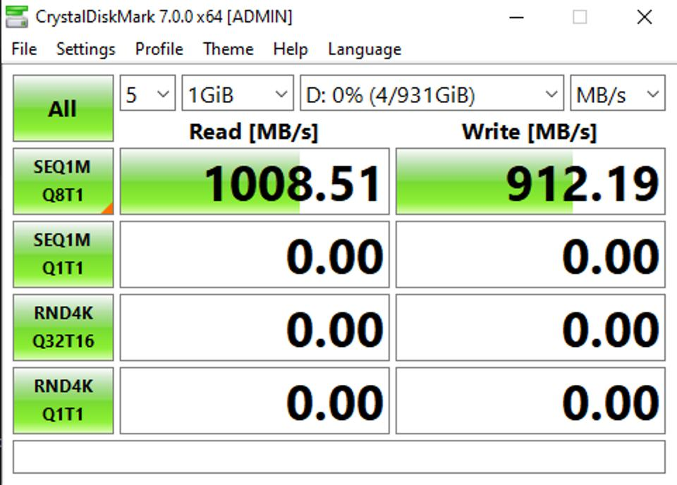 The TBT100 offers the same peak USB 3.1 throughput you'd see on a Mac or PC device, with a Samsung T7 Touch hitting over 1000MB/sec read speed
