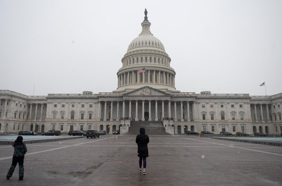 US-ECONOMY-BANK-RATE-POLITICS-STIMULUS