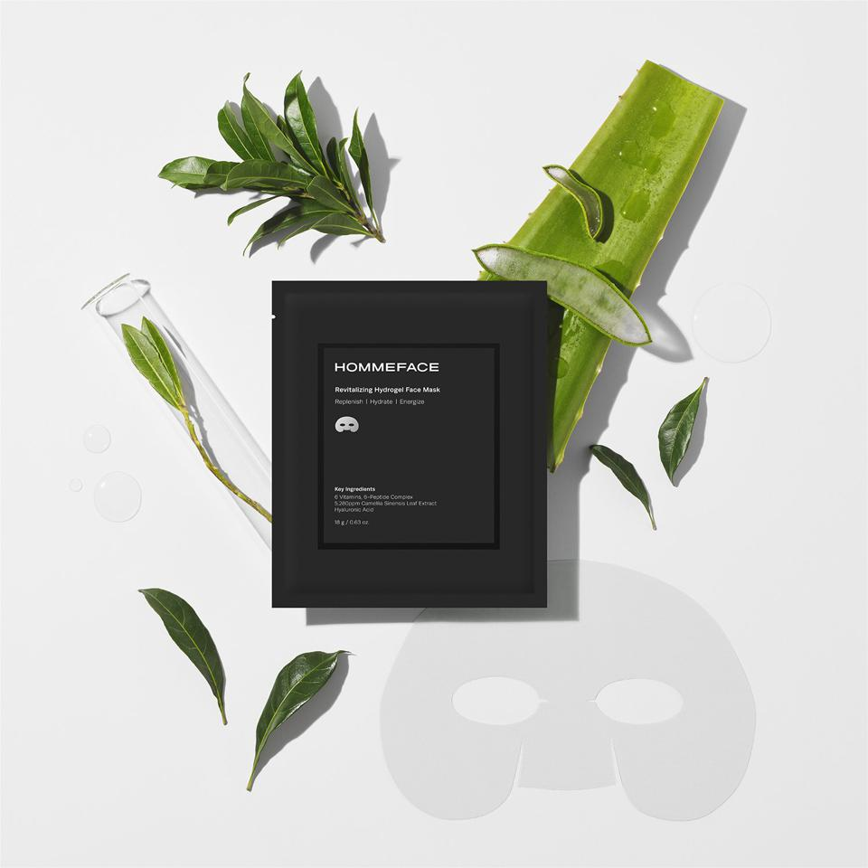 Patented hydrogel mask made of natural high-polymer that maximizes the capacity to lock in moisture and deliver active ingredients.