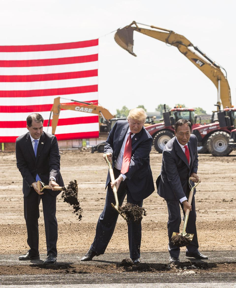 Trump at 2018 groundbreaking of Foxconn in Wisconsin, heavily subsidized project failed .