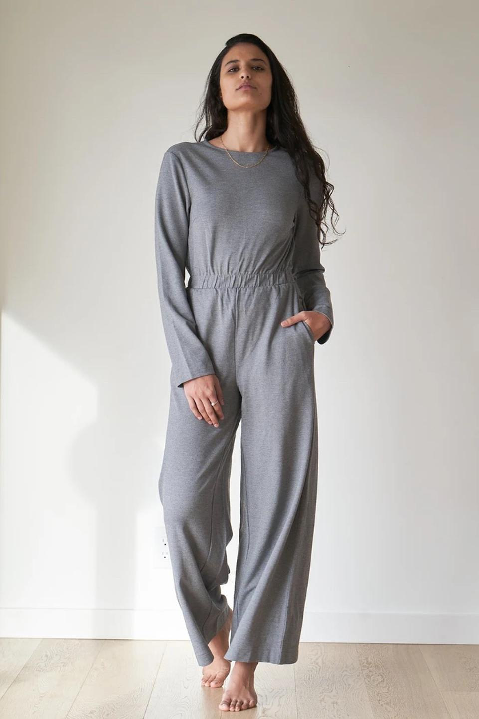 The jumpsuit is made of a luxurious blend of recycled fishnets and beech trees that offers 4-way stretch and sweat-free features packed into a jumpsuit that hugs you in all the right places.