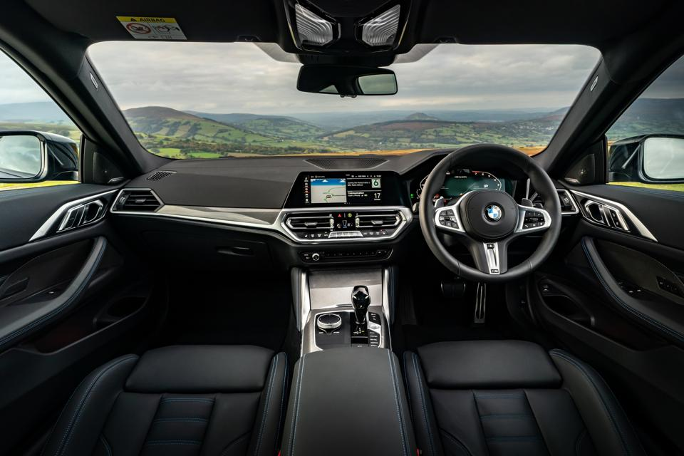 Interior of the 2020 BMW 4 Series Coupe