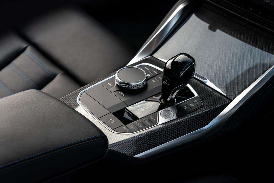 Gear shifter of the 2020 BMW 4 Series