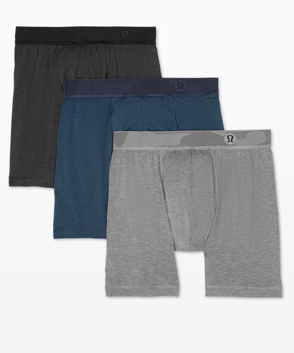 The good stuff. Ergonomic design and super-soft, quick-drying fabric equals total comfort for workouts (and other sweaty situations.