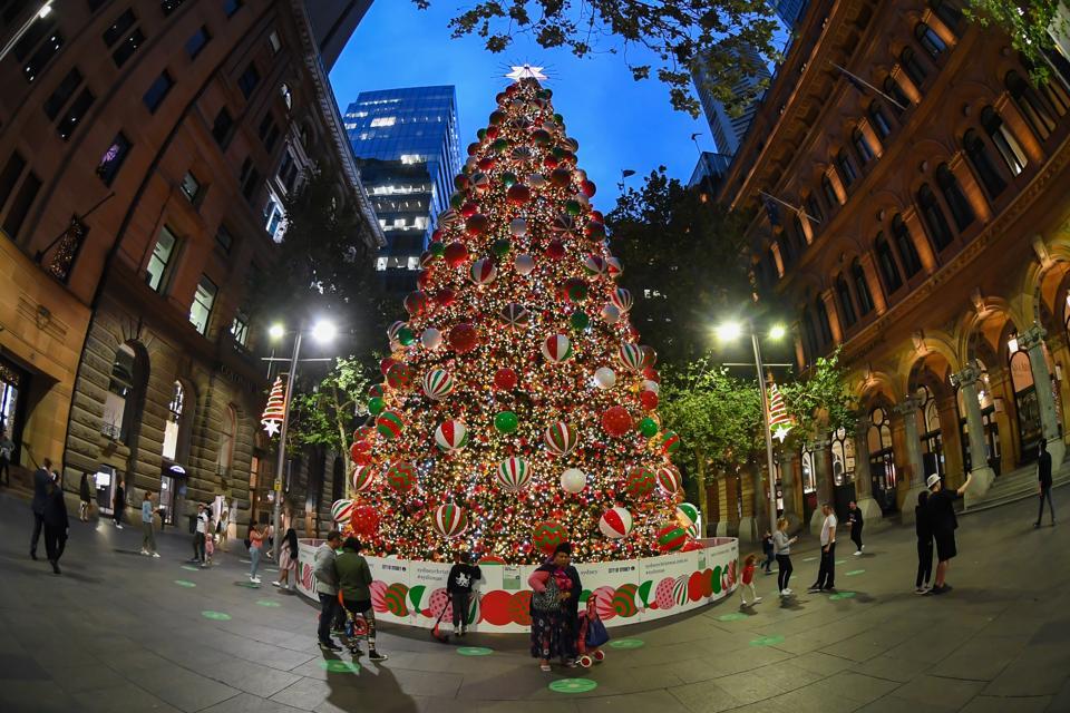 Albero di Natale in Martin Place a Sydney, in Australia.  2020