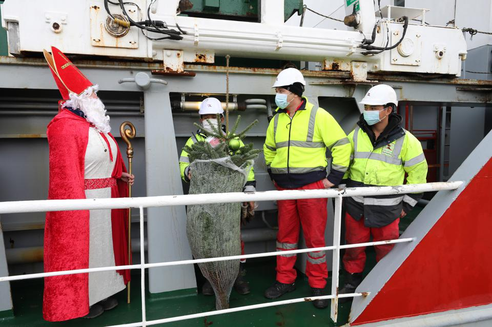 7 Dec: Christmas tree on board cargo ship in Germany.  This year, three quarters of gifts are likely to have been transported on board ships that use the more hazardous VLSFO fuel.