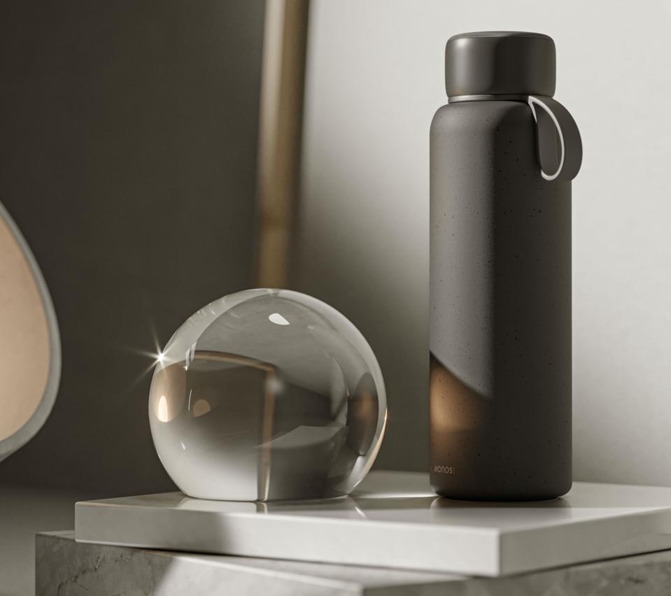 Monos Kiyo UVC Water Bottle travel purifying bacteria