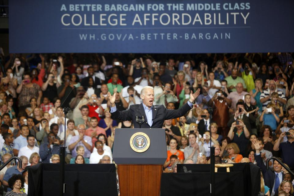 Obama And Biden Discuss Higher Education At Lackawanna College In PA