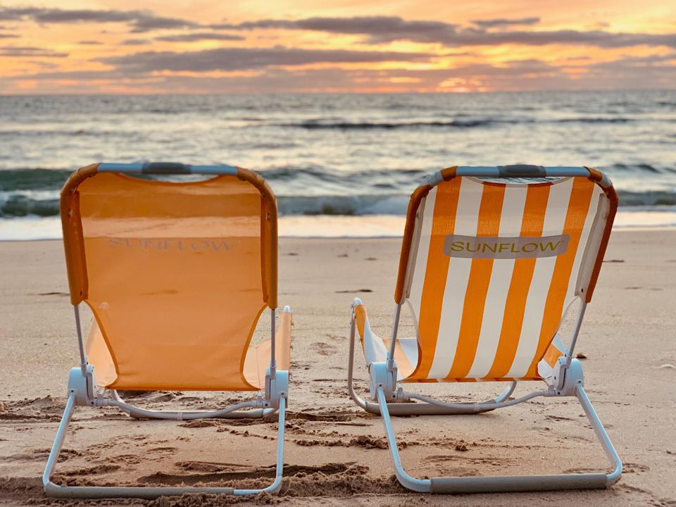 The Best Seat on the Beach. The SUNFLOW Chair is compact, comfortable, easy-to-carry, and expertly engineered for lounging, napping, reading and forgetting anything exists except your tan lines.