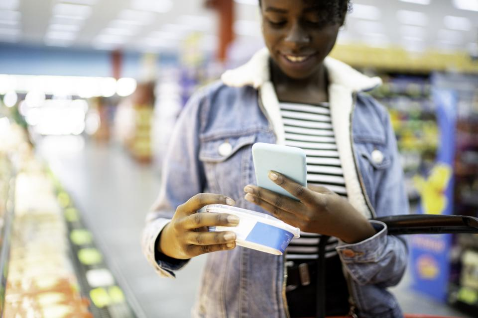 Merchandising differs virtually and in-store. Brands will need to master both - and consumers will use them simultaneously.