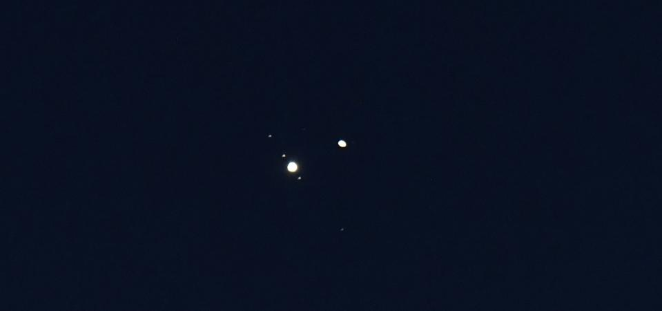 Jupiter and Saturn form double planet...