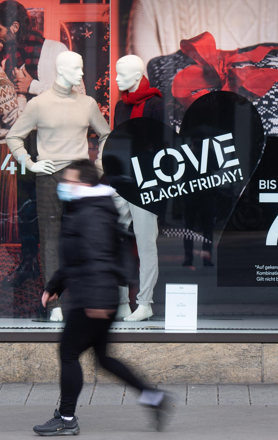 Pre-Christmas business and ″Black Friday″ in Hannover