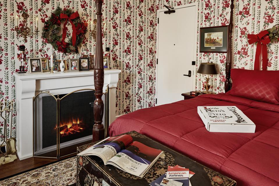 GRADUATE HOTEL Home Alone Experience