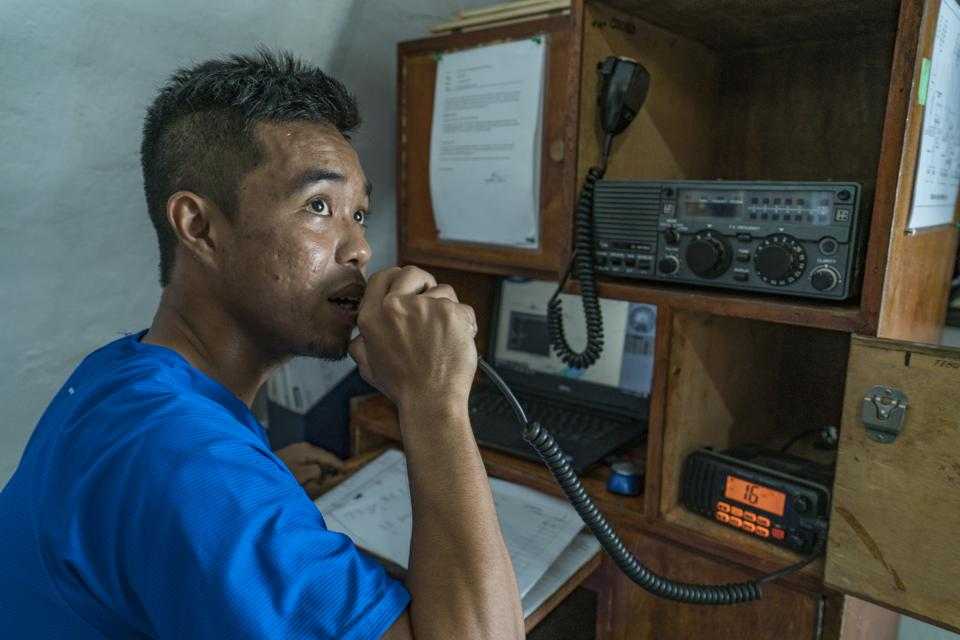 All ships should be equipped with fully functioning VHF Radios for emergency  communication close to shore.  Was the Wakashio's VHF radio working? Mauritian Coastguard was unable to get through. (seen here, file photo)