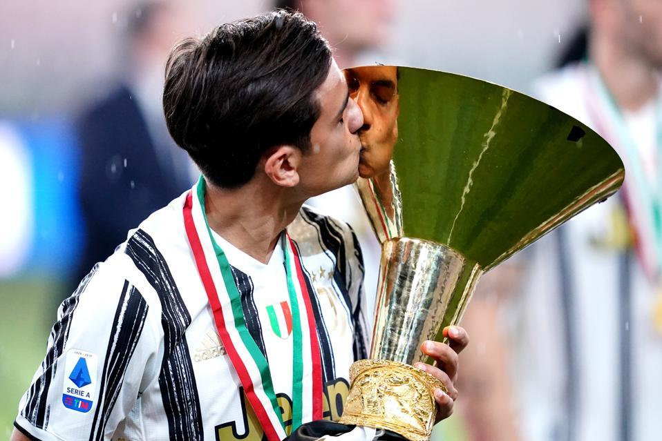 Paulo Dybala of Juventus FC celebrate after winning the...