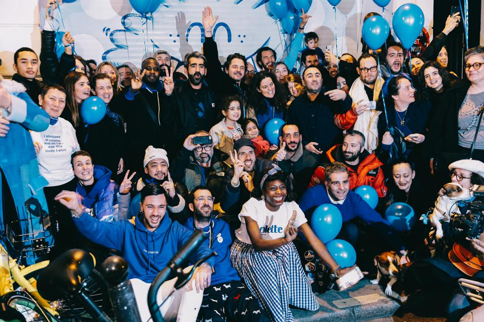 On the night of the closing, the staff gathers in front of colette for one last family photo at 213 rue Saint Honoré location.