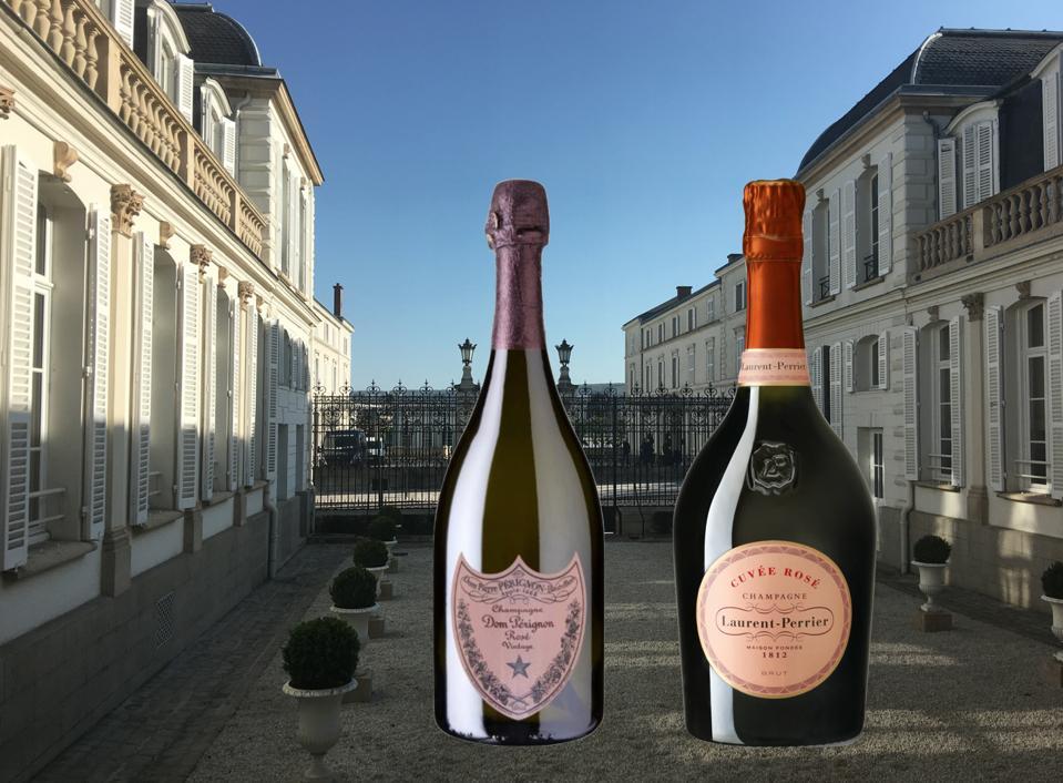Dom perigean y champán Laurent-Perrier se sientan fuera de una maison en la Francia rural