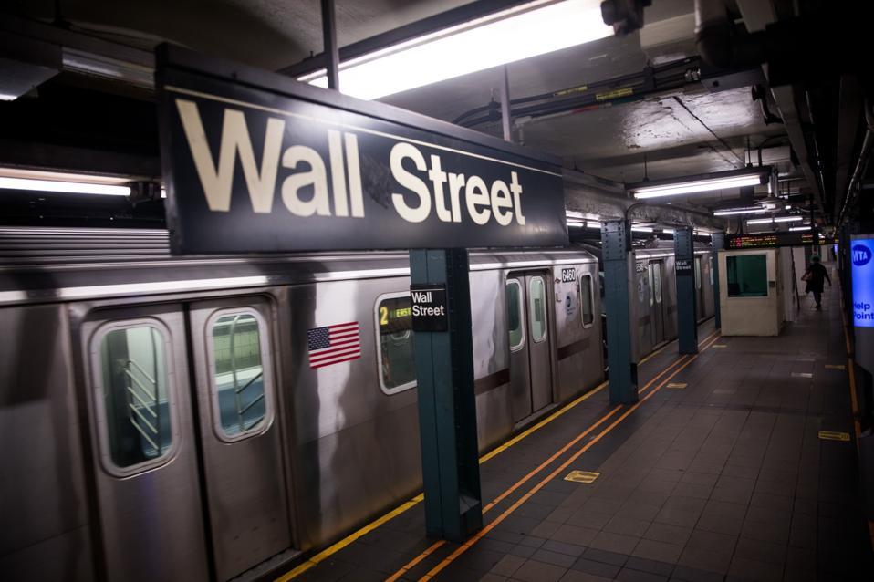 NYSE, ABD hisse senetleri yükselişe geçerken bazı piyasa yapıcılarına işlem odası yeniden açtı
