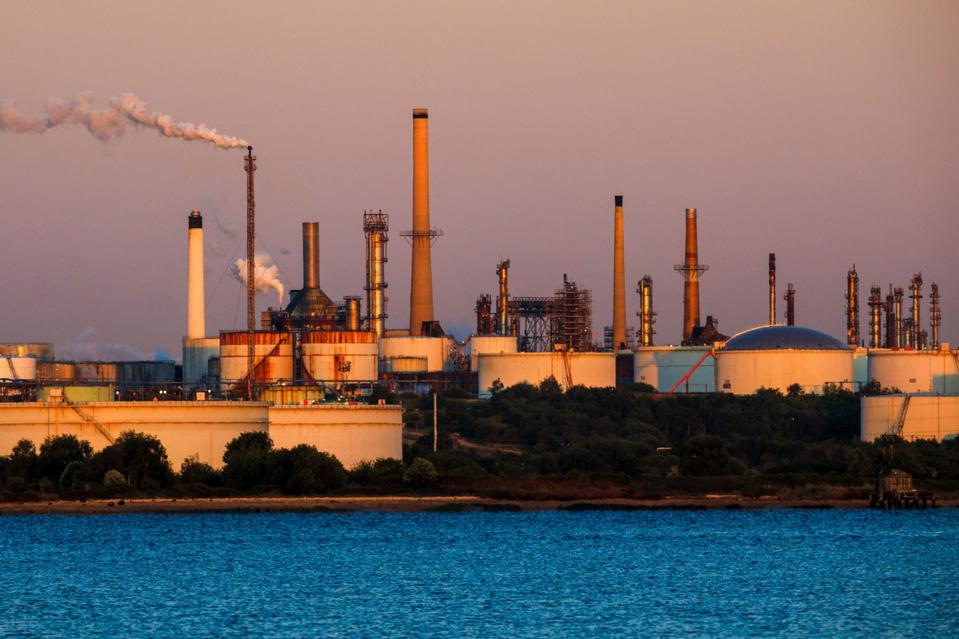 Fawley Oil Refinery As Commodity Likely To Avoid Repeat Negative Price Shock